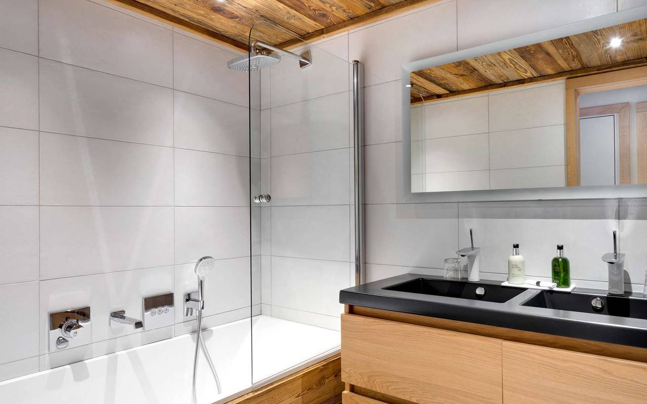 bath bathroom la marmotte