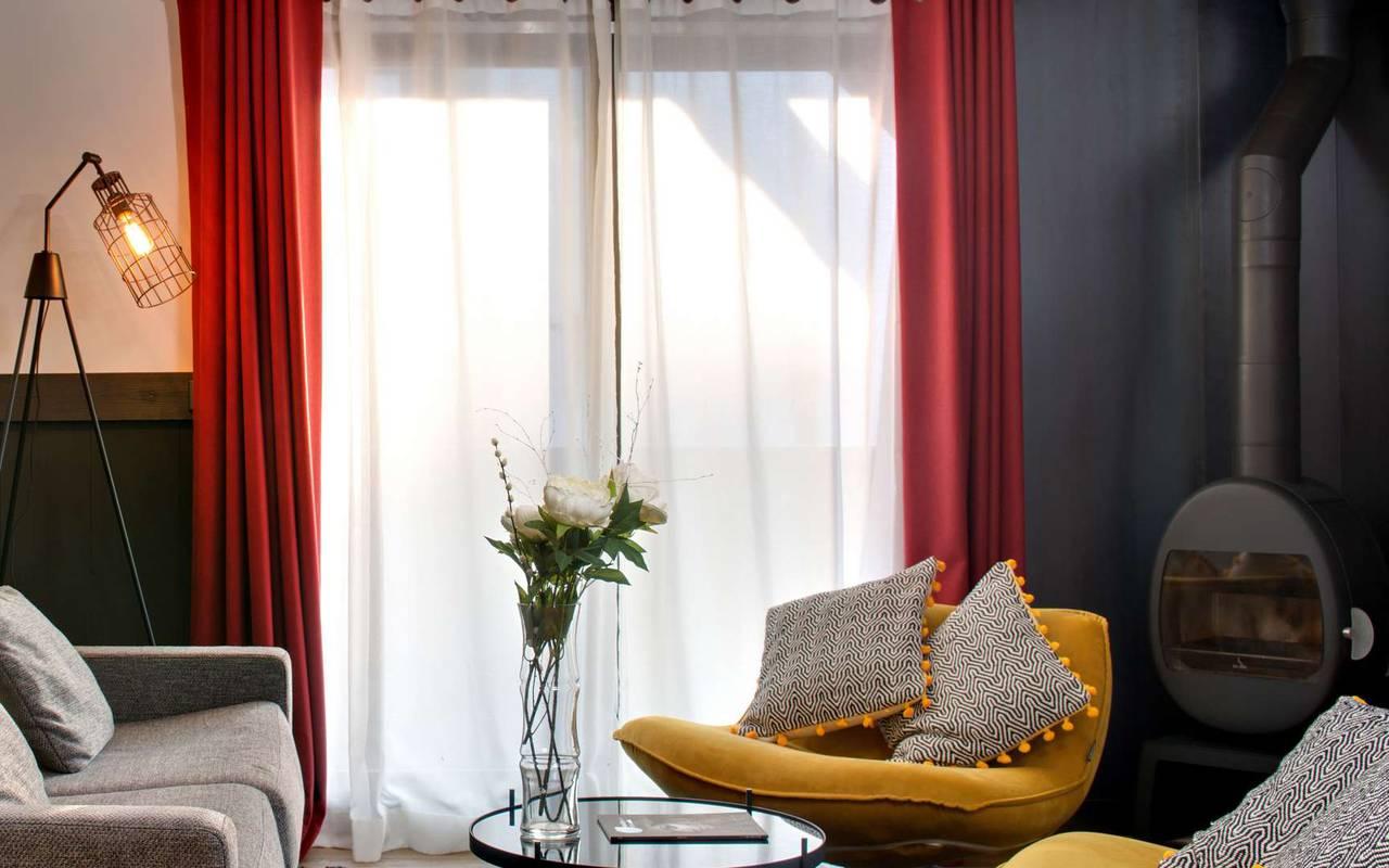 living room decoration hotel les gets