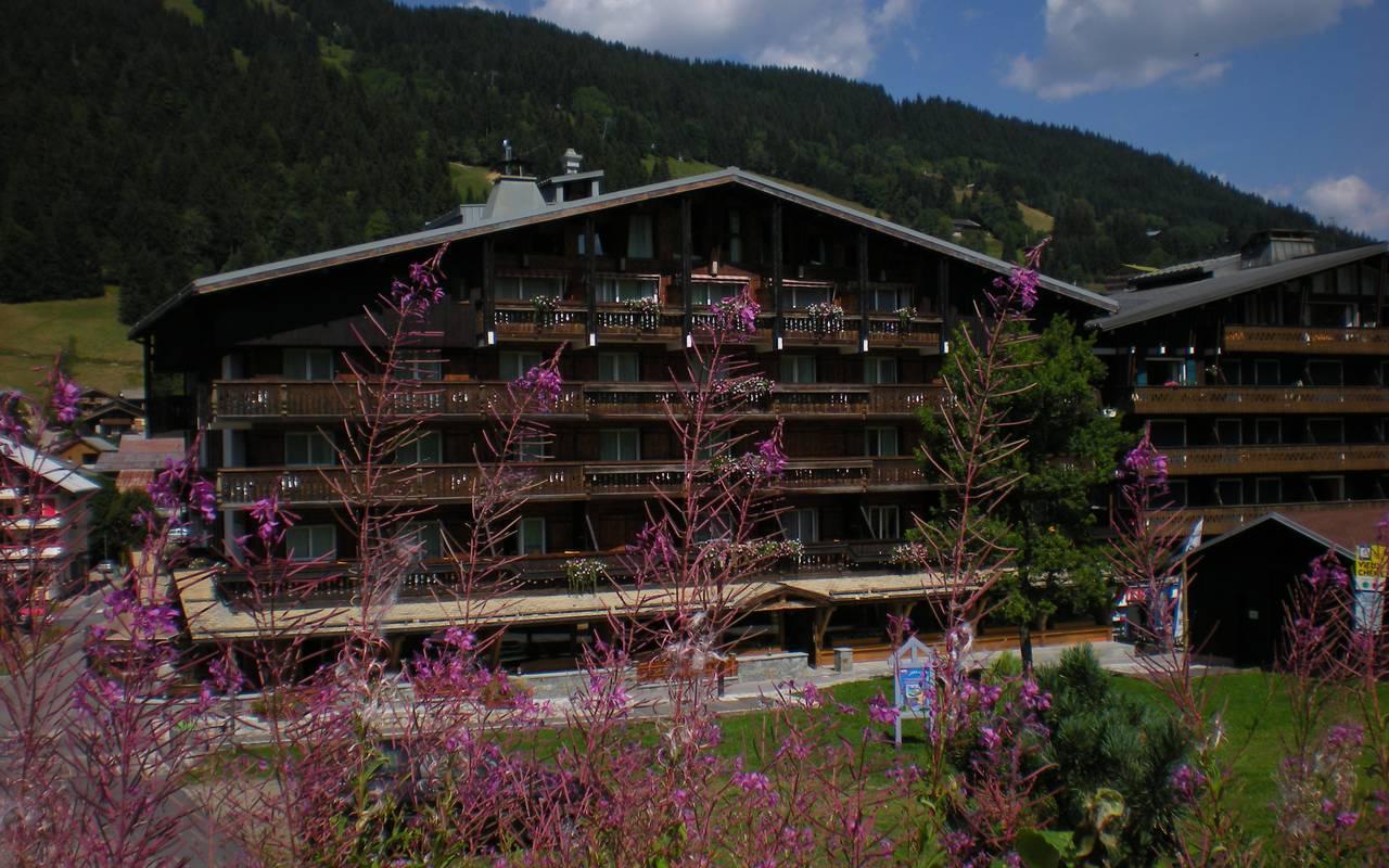 facade summer hotel la Marmotte