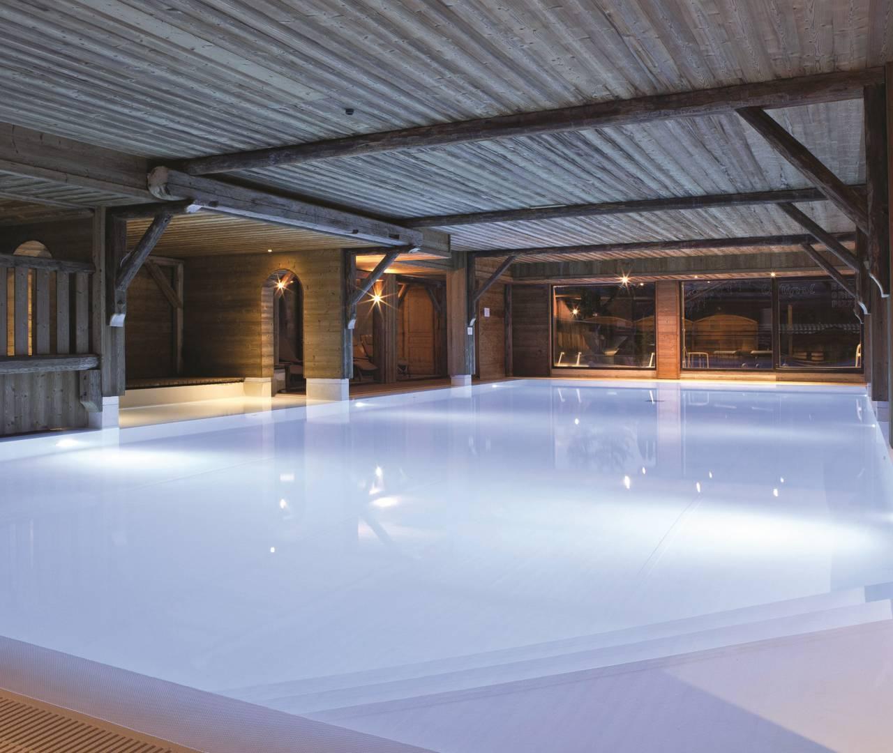 Spa s r ni c mes spa sauna balneo les gets for Piscine les gets