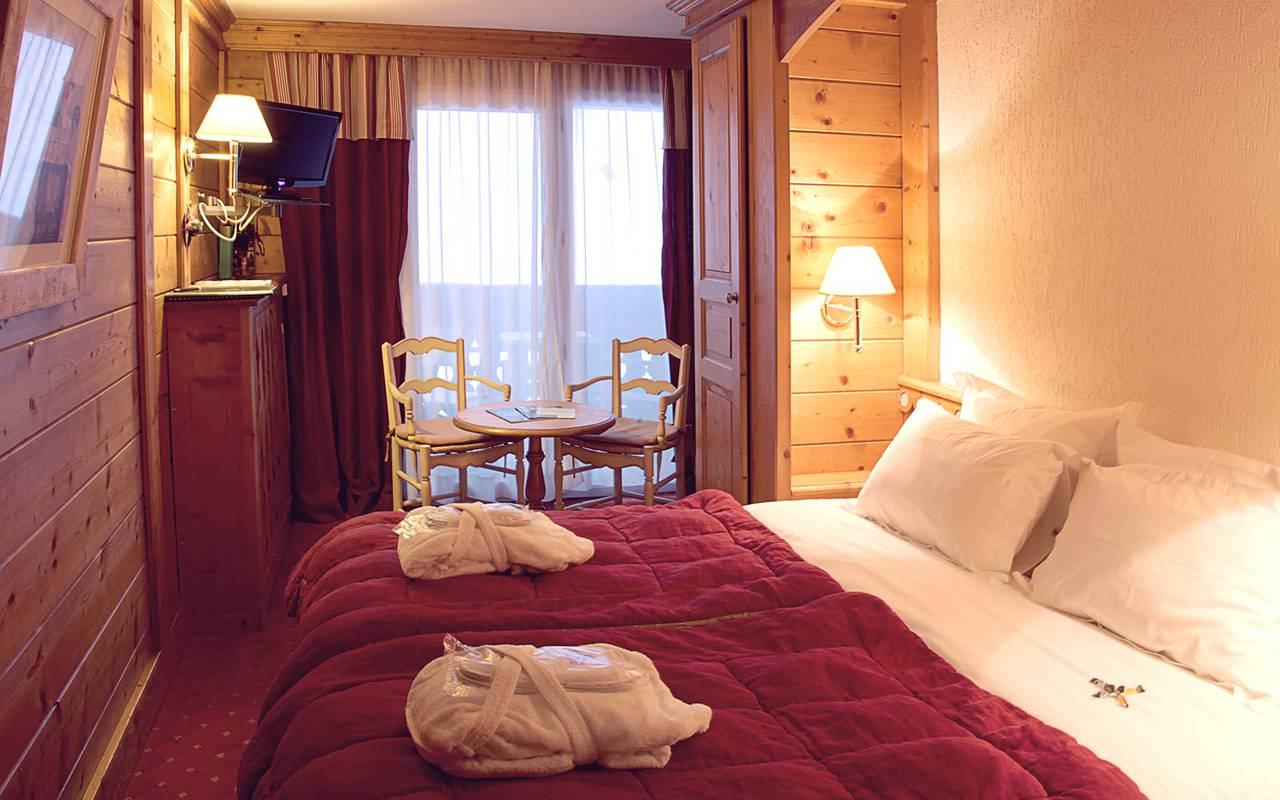 chambre chalet hotel les gets