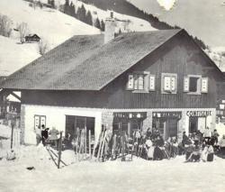 historique 1947 facade hotel les gets